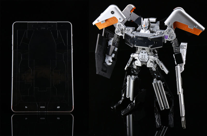 Transformers Evolution: Soundwave Tablet Action Figure (SDCC 2016 Exclusive)