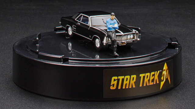 San Diego Comic Con 2016 Hot Wheels Star Trek 1964 Buick Riviera & Spock Figure (EXCLUSIVE)